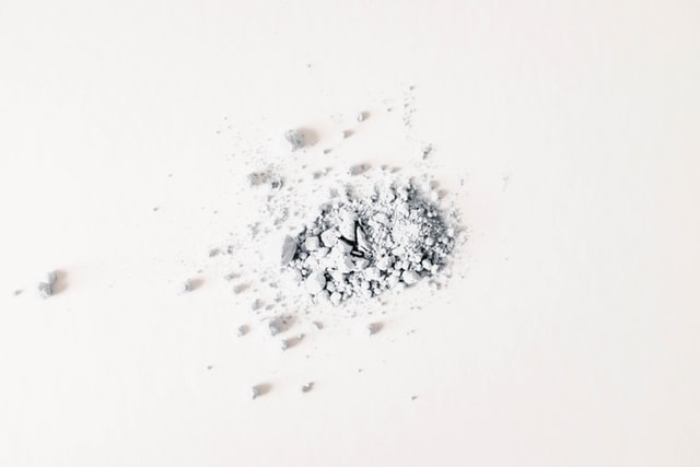Can talcum powder cause lung cancer?